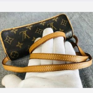 Louis Vuitton Bags - Authentic Louis Vuitton Pochette Twin shoulder bag